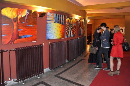 Lengyel Zsülett kiállítása a kaposvári Csiky Gergely Színházban